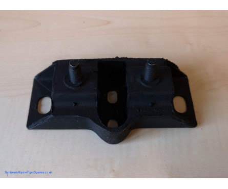 Tiger gearbox mount