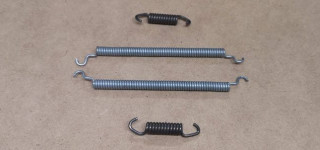 Rear brake shoe springs (late)